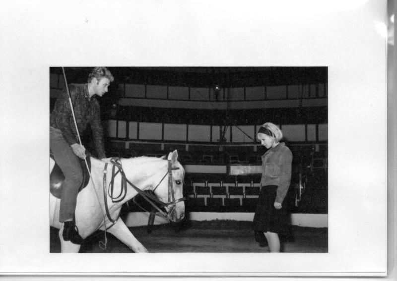 JOHNNY AU GALA DE L UNION 1964 Img97810
