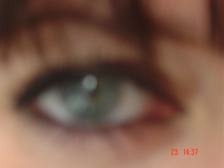 vos yeux! ( attention âmes sensibles: oeil en gros plan ^^) - Page 5 Dsc00810