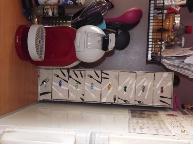 Colonne à tiroirs Dscf4824