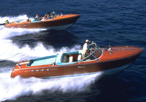 EXCLUSIF : Hamilton s'embarque avec les canots RIVA Riva710