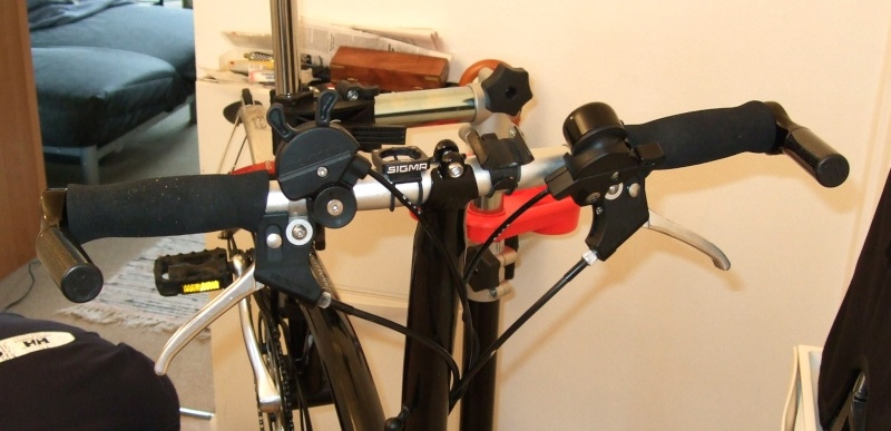 Poignées de guidon ergonomiques et extensions de poignée (bar-end) - Page 2 Guidon10