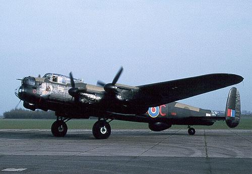 Avions de la seconde guerre mondiale Janeta10