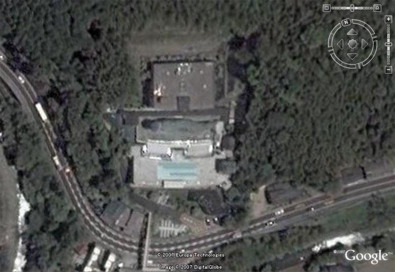 Les statues de Bouddha découvertes dans Google Earth - Page 2 Nanzoi10