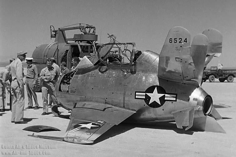 "McDonnell XF-85 ""Goblin"" [1:72-MPM] 342usa10"