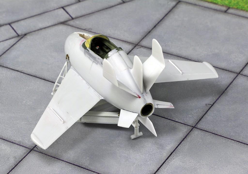 """McDonnell XF-85 """"Goblin"""" [1:72-MPM] Img_3215"""