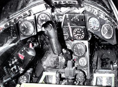 """McDonnell XF-85 """"Goblin"""" [1:72-MPM] Mcdonn12"""