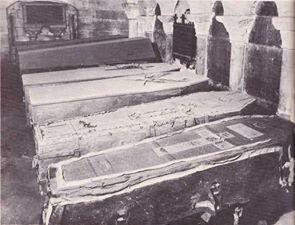 La Basilique de Saint-Denis Cercue11