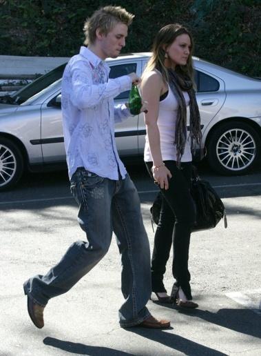 Aaron & Hilary Duff 15-11-07 Pictuh10