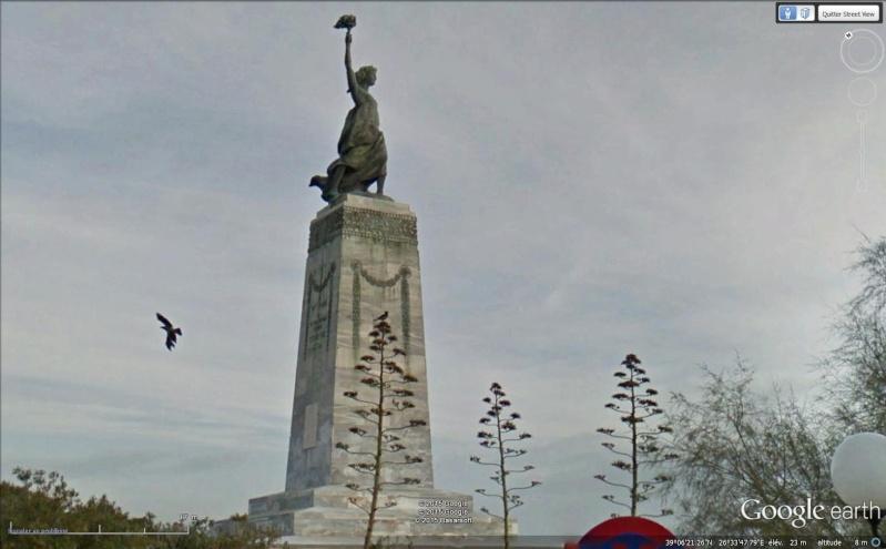 Statue de la Liberté = les répliques découvertes grâce à Google Earth - Page 6 Sans_105