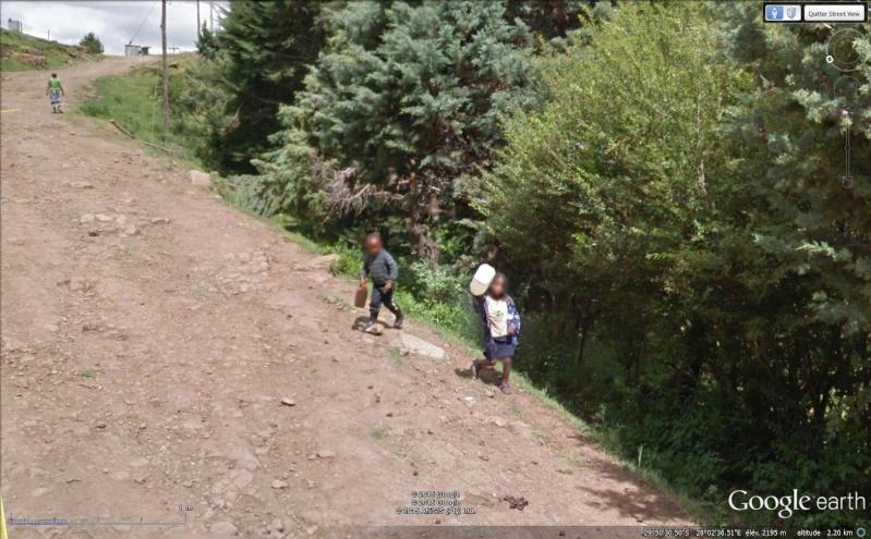 STREET VIEW : un coucou à la Google car  - Page 30 Sans_228