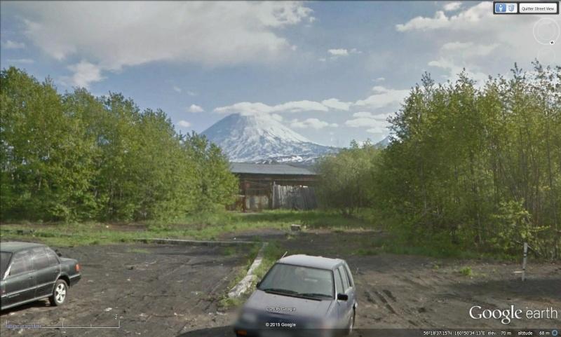 Superbe photo prise de la Station spatiale du volcan Kliuchevskoi, péninsule du Kamtchatka - Russie Sans_t85