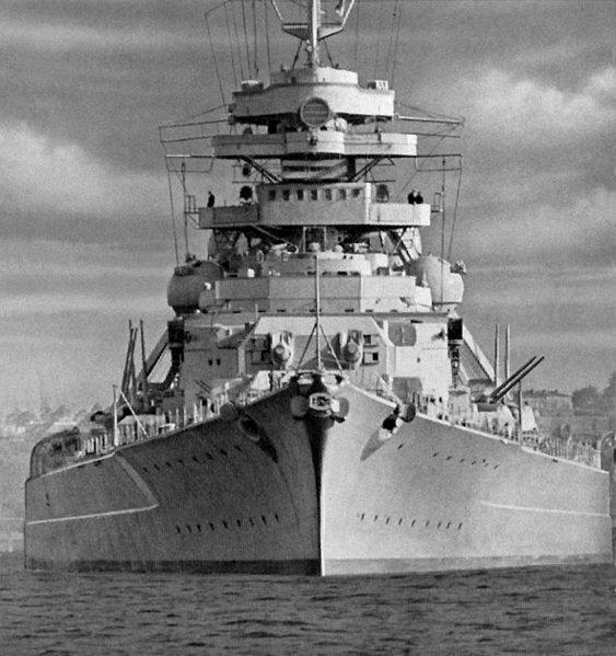 Le DKM Bismarck 563px-10