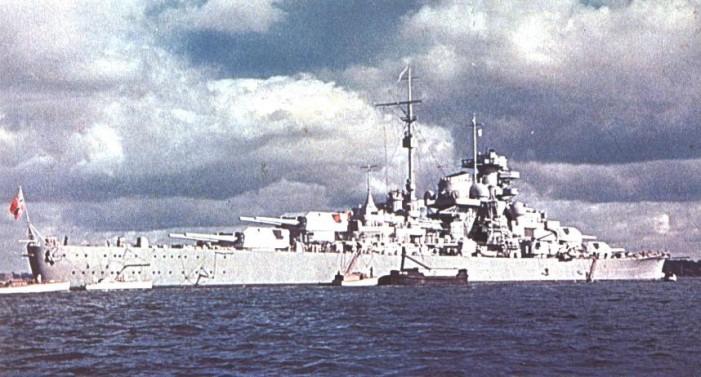 Le DKM Bismarck Bismar10