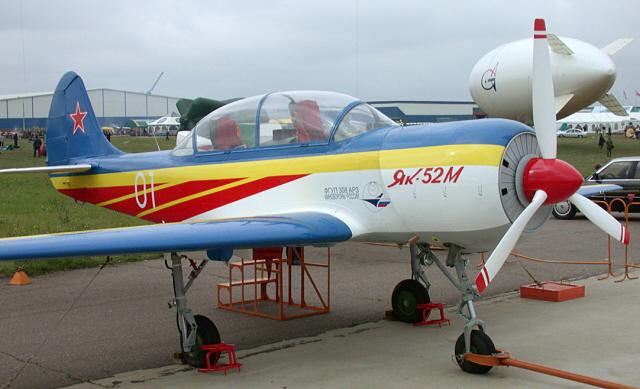 Fanas de Yak 52, voici son successeur !!! Weby4910