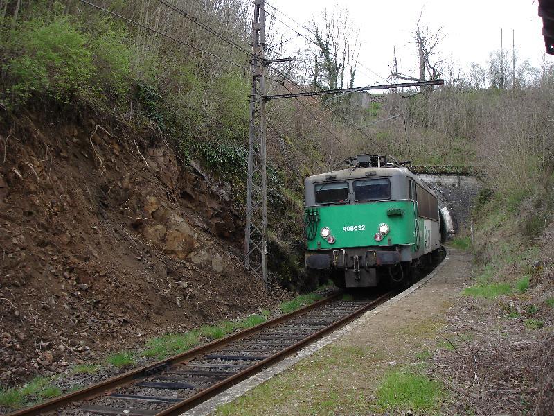 Pk 609,0 : Halte d'Auxillac-Montjézieu (48) Dsc01210
