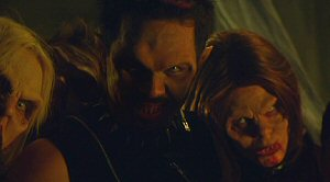 Out For Blood / Vampires: Out for Blood (2004, Richard Brandes) La_sec15
