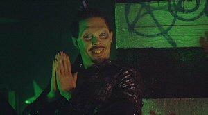 Out For Blood / Vampires: Out for Blood (2004, Richard Brandes) La_sec18