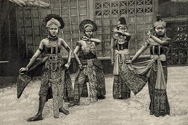 Expositions Coloniales et Universelles - Page 13 Danseu10