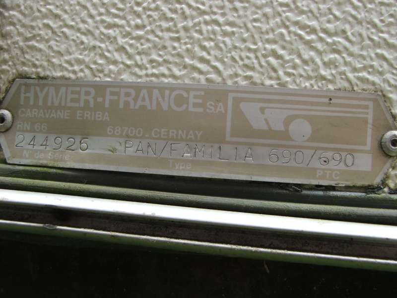 Plaque constructeur Eriba / Hymer [Post Photos] Dscf3611