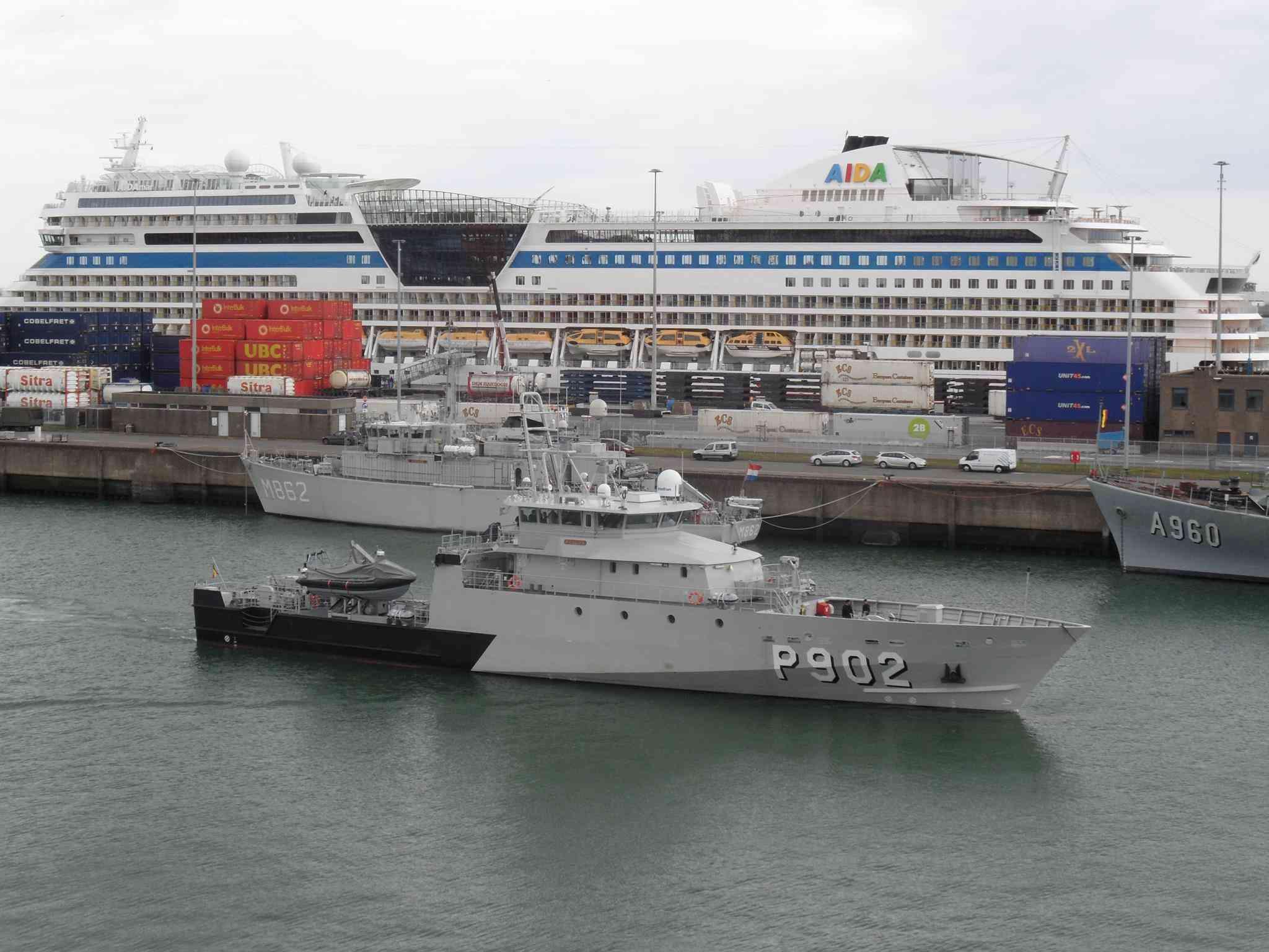 Arrivée du P902 POLLUX à Zeebrugge 10517210