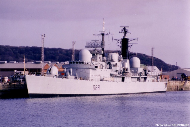 Type 42 Class destroyer 11342810