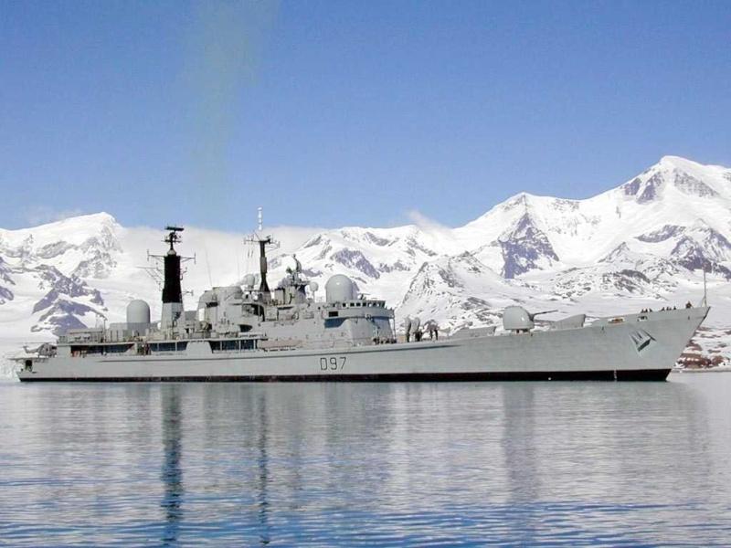 Type 42 Class destroyer Edbrh310