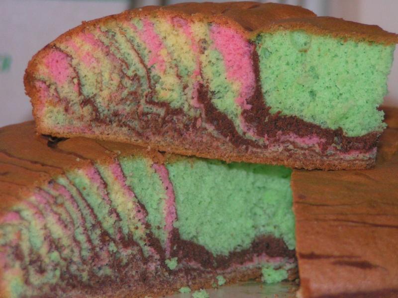 gâteaux multicolores du Carnaval 20070410