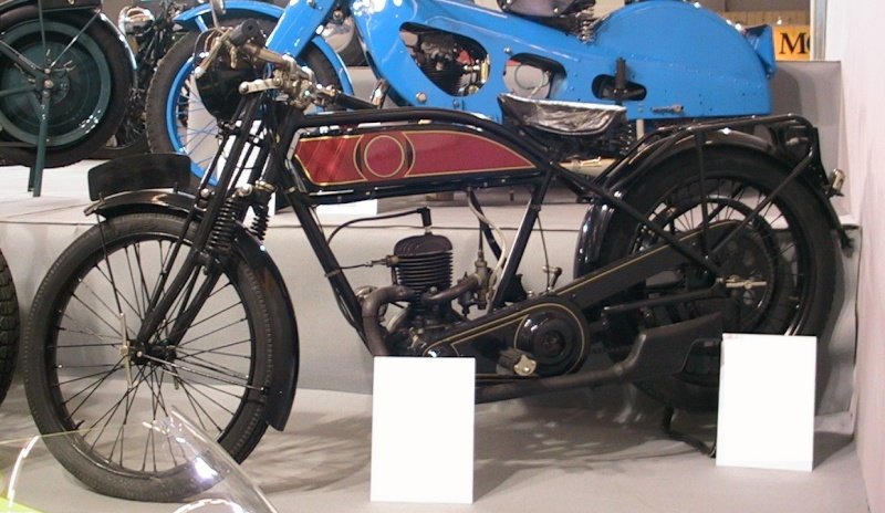 la moto mystère n°125 ?      trouvée - Page 2 Moto_110