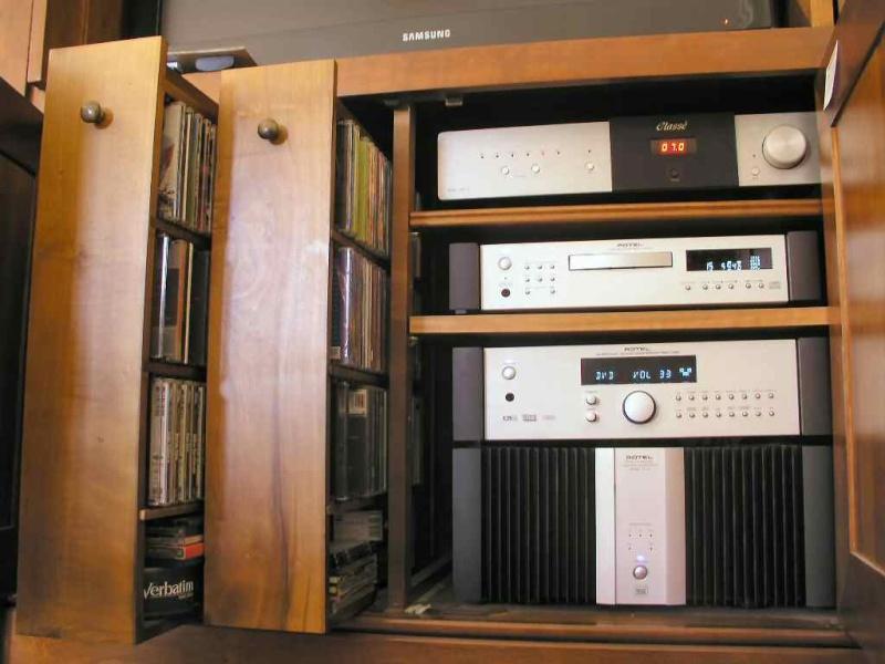 O meus 2 sistemas: Estéreo + Cinema em casa Rotel_10