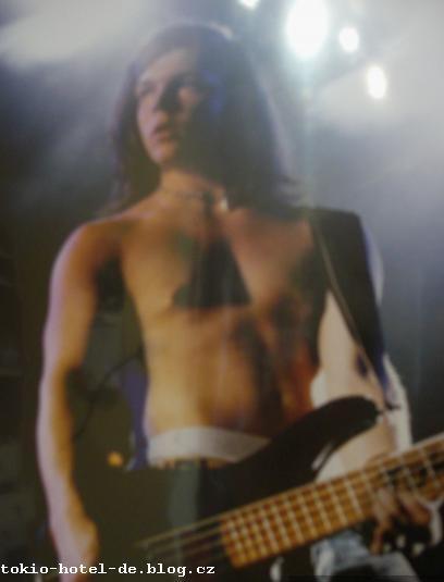 Tokio Hotel - Page 3 28656110