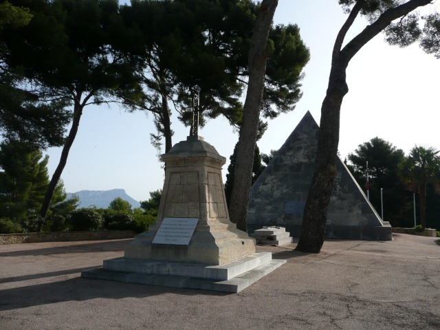 Le cimetière Franco Italien de St Mandrier Cimeti22