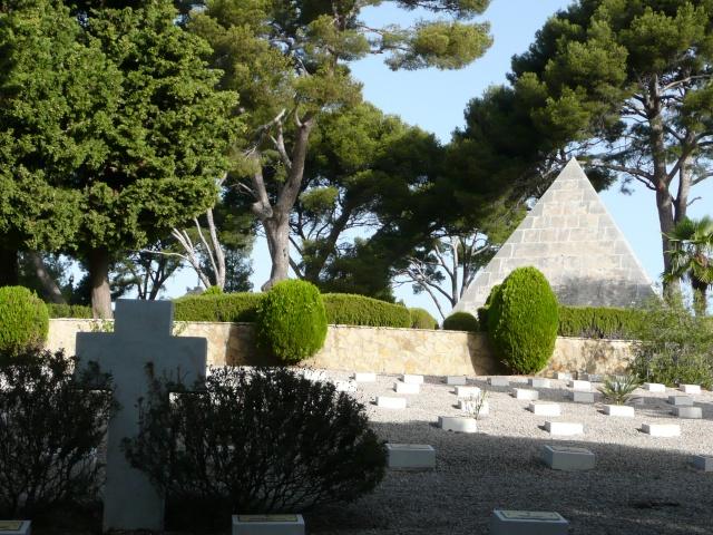 Le cimetière Franco Italien de St Mandrier Cimeti24
