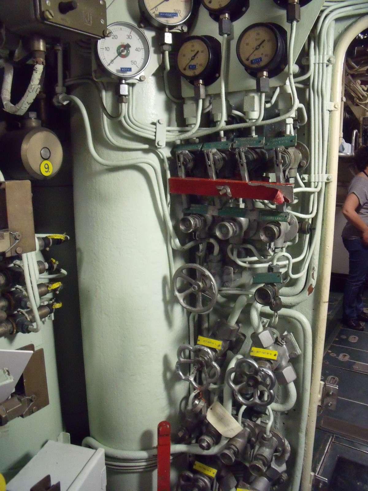 [ Divers - Les classiques ] La vie à bord d'un sous-marin classique - Page 4 Flore112
