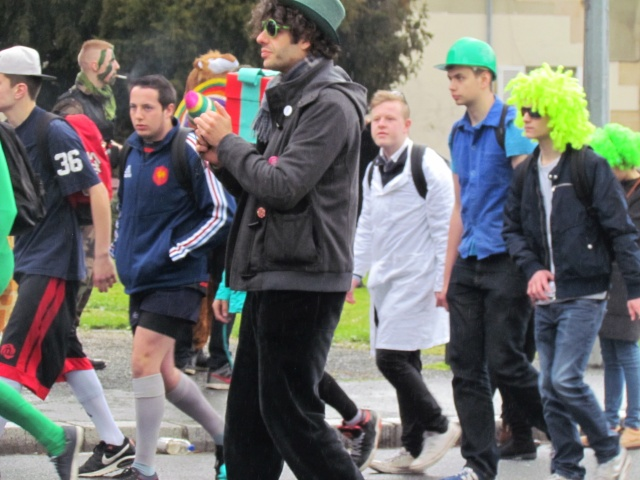 Carnaval  des étudiants à Caen 2 avril 2015 Carnav57