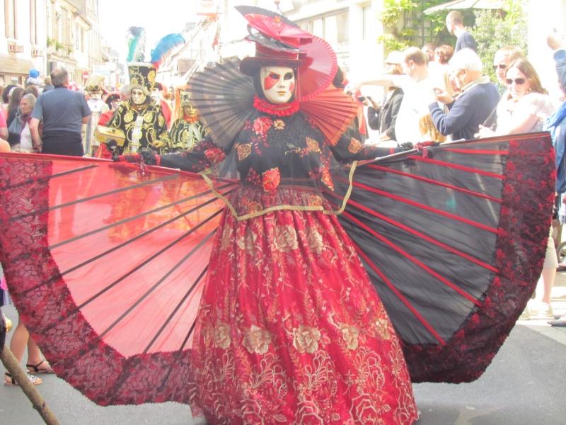 Mascarade de DIVES SUR MER  dans le CALVADOS le 25 mai 2015 - Page 2 Dives_49