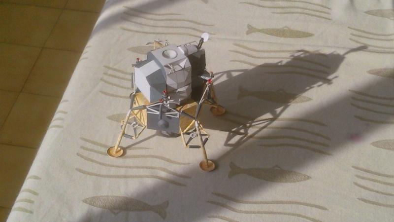 Maquette en papier Lem10