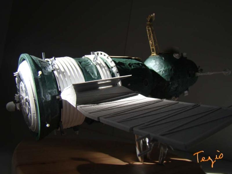 Maquette SOYOUZ première génération 7K-OK by Tezio Fodsc018