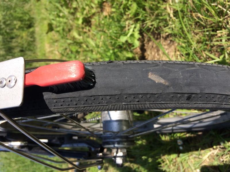 Garde boue arrière cassé : comment éviter - Page 2 Pneu_u10