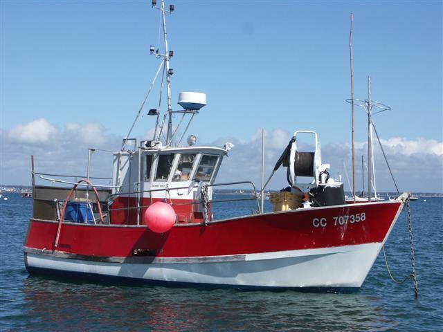 [VIE DES PORTS] Quelques bateaux de pêche (sur nos côtes Françaises) - Page 3 Bacchu11
