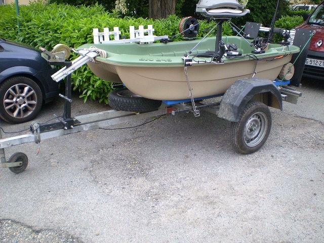 quelle barque pour pêcheur solitaire Barque10