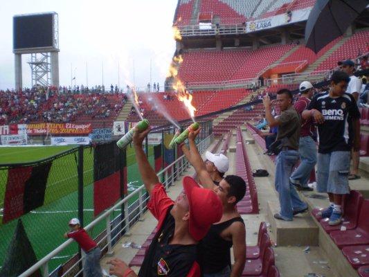 ___Estadio Metropolitano De Barquisimeto 3___ - Página 2 Fuego10