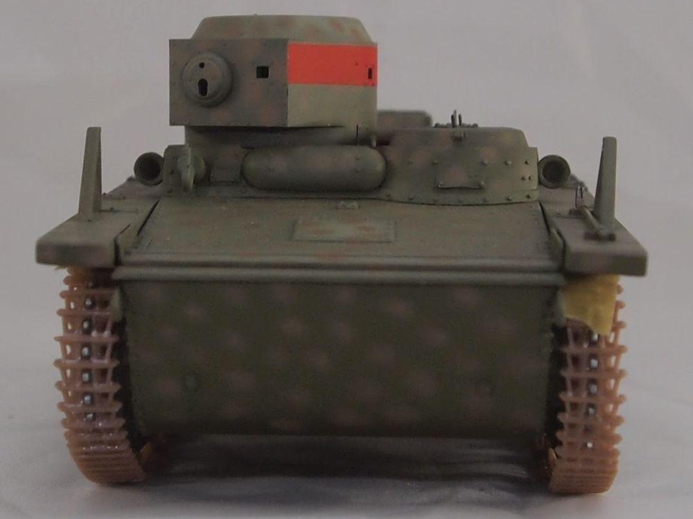 T-37 radio (Hobby Boss ref 83820 1/35) Mon2210