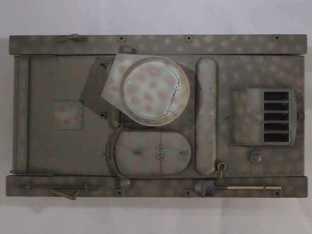 T-37 radio (Hobby Boss ref 83820 1/35) Mon2410