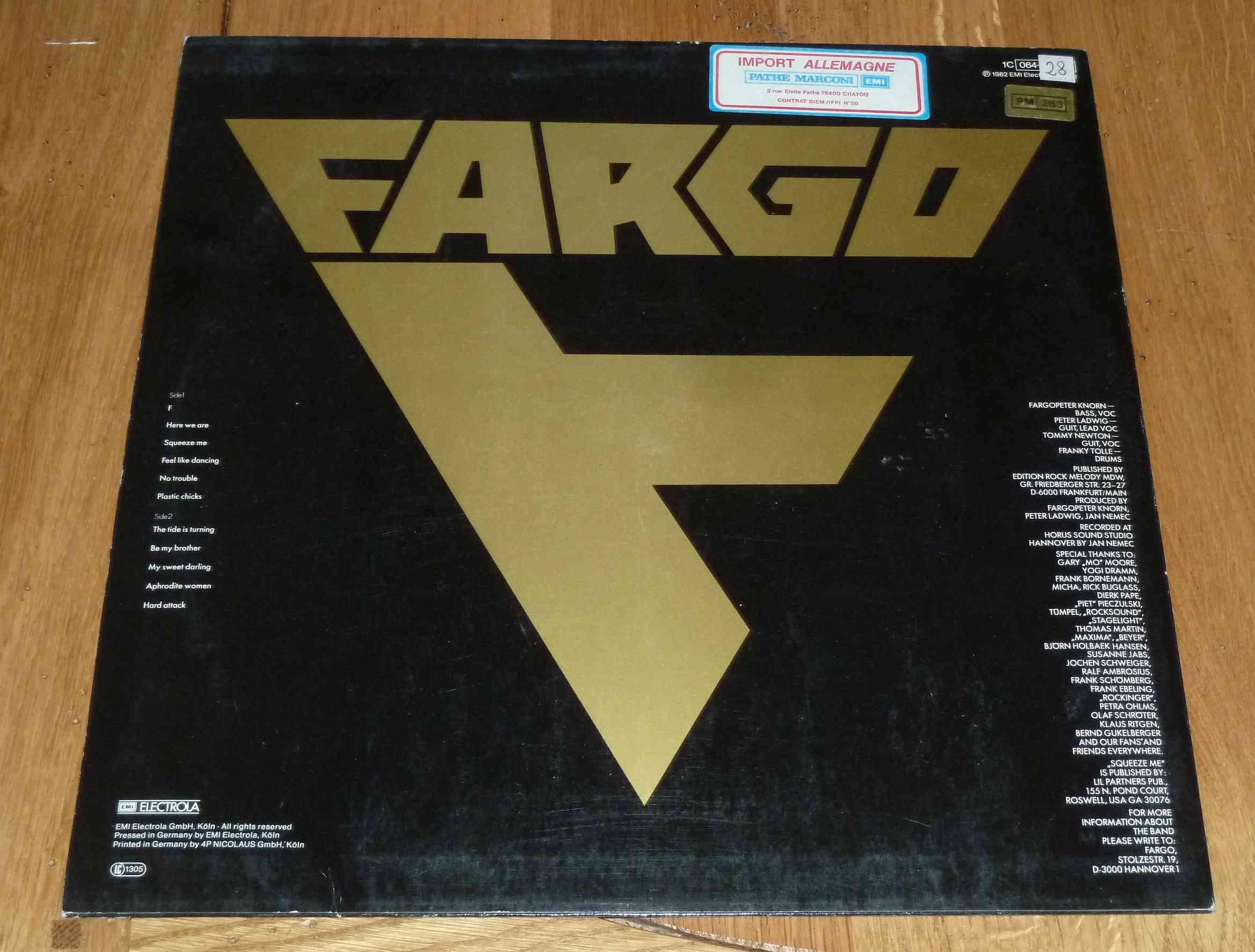 FARGO 1er album (1982) Devenu ensuite VICTORY Hard-Rock Allemagne P1170111