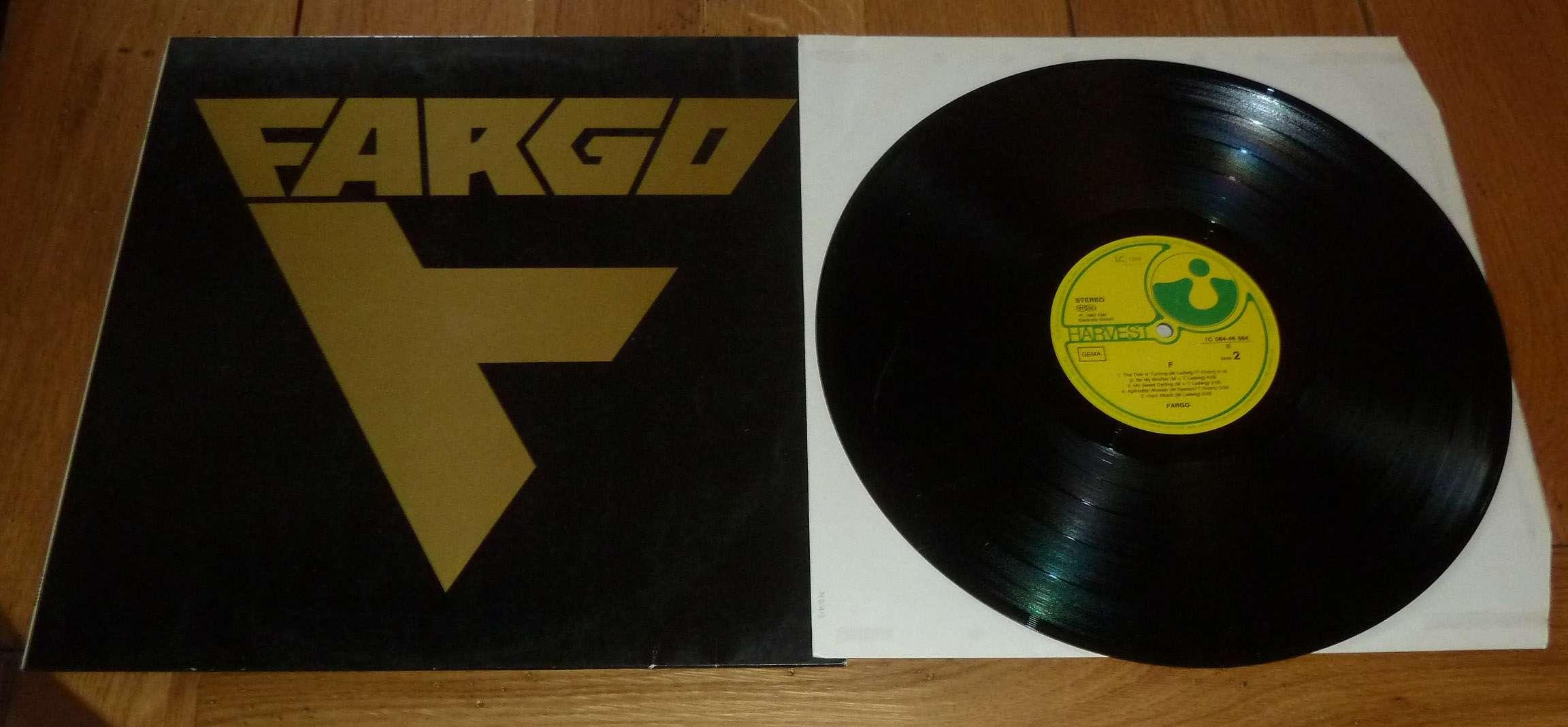 FARGO 1er album (1982) Devenu ensuite VICTORY Hard-Rock Allemagne P1170112