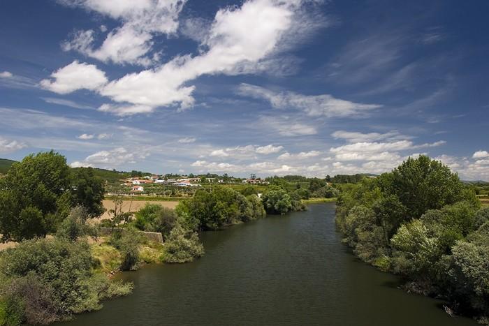 Pesinho e e ponte sobre o Rio Zêzere Img_6710