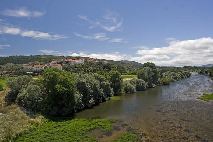 Pesinho e e ponte sobre o Rio Zêzere Img_6711