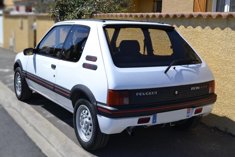 [ducatis4r]  205 GTI 1L6 - 1600 - BLANC MEIJE - 1988 Dsc_0010