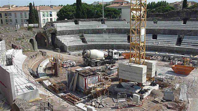 L'assassinat des arènes romaines de Fréjus Debat-10