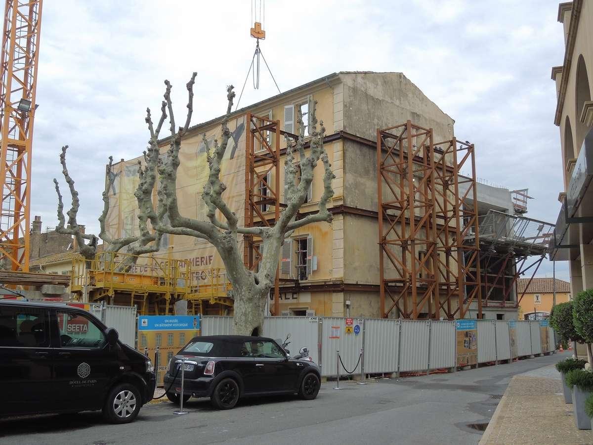 Saint-Tropez : l'ex-gendarmerie de Louis De Funès devient un musée Dscn1013